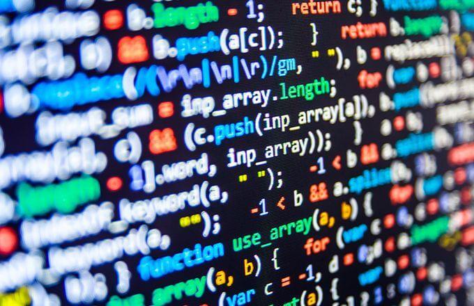 プログラミングスクールでは言語は何を選ぶべき?